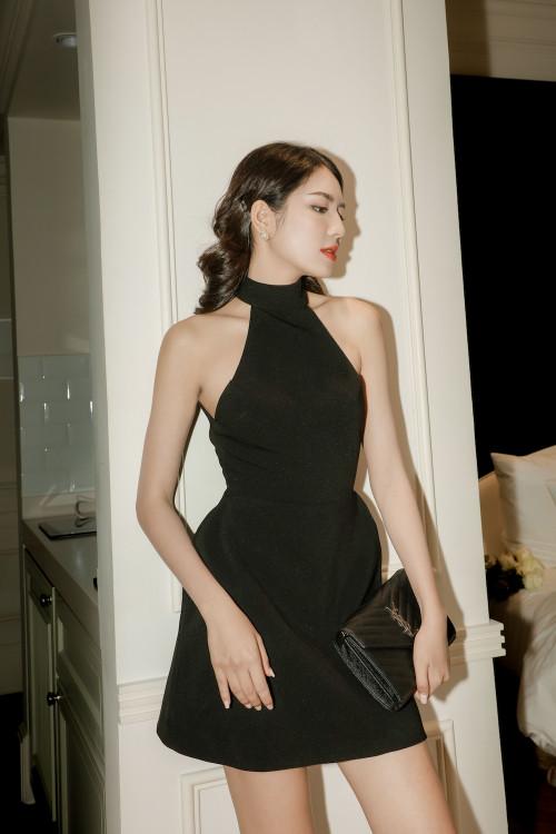 Đầm Yếm Hở Lưng Màu Đen