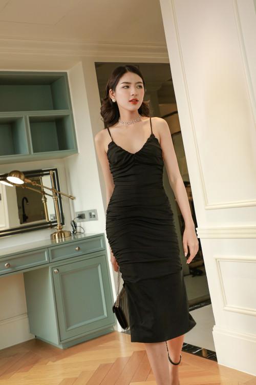 Đầm Dây Màu Đen Nhún