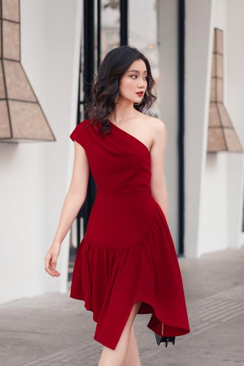 Đầm Đỏ Lệch Vai Tùng Rã Nhún