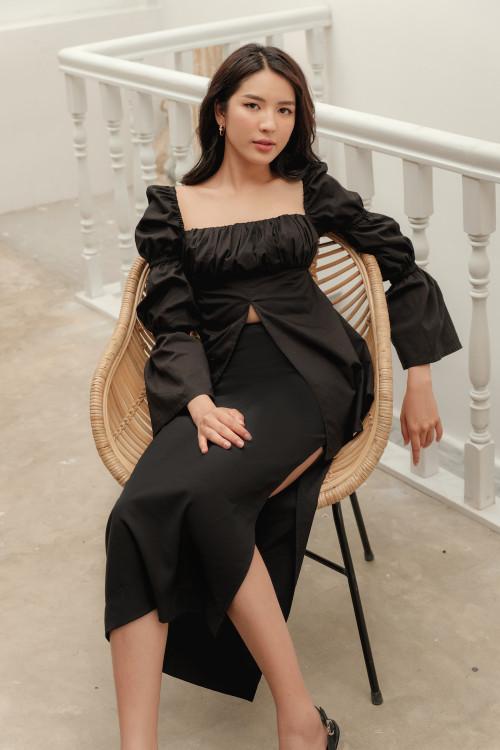 Áo Màu Đen Tà Xẻ Tay Thun