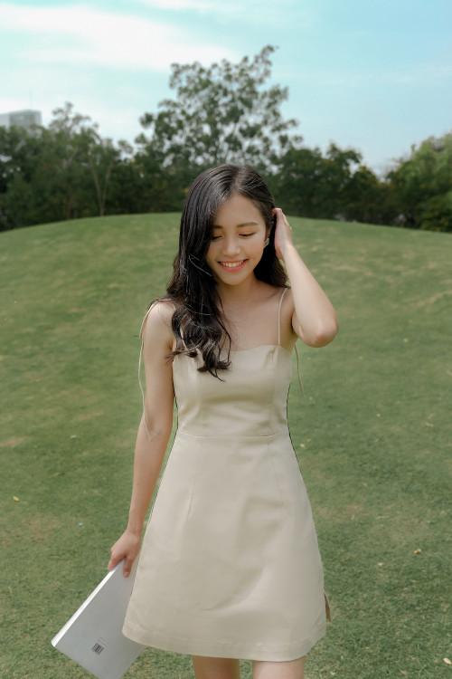 Đầm A Kem Viền Đen Sườn
